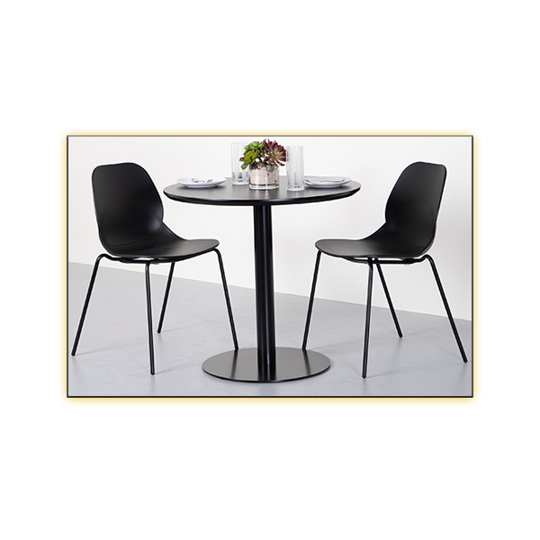 Paras Table with Page Chairs